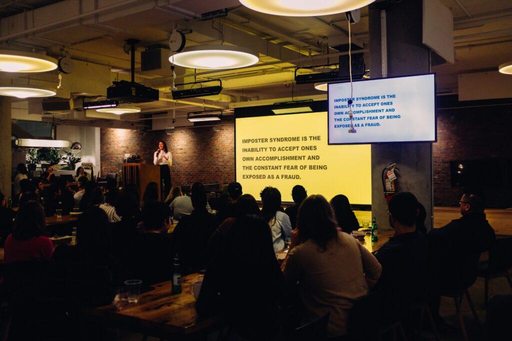 gotowe prezentacje multimedialne wyswietlanie na projektorze